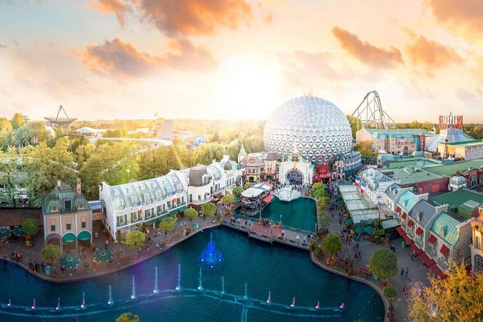 Top 7 công viên giải trí hàng đầu thế giới cho chuyến du hí 'vui tới bến'